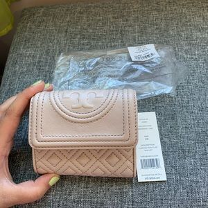 NWT Tory Burch Fleming Wallet